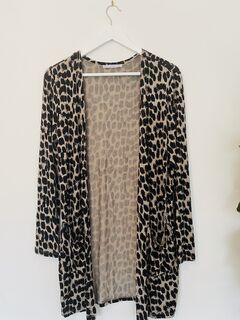 BETTY BASICS Long Line Leopard Print Cardigan - Size 10